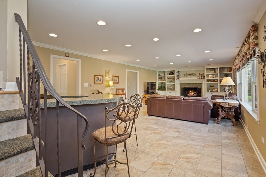 Real Estate Photography - 904 W George St, Arlington Heights, IL, 60005 - Family Room