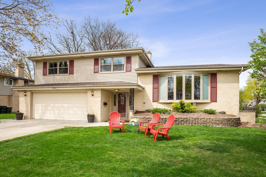 Real Estate Photography - 904 W George St, Arlington Heights, IL, 60005 - Front View