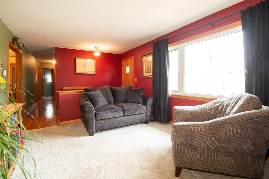 Real Estate Photography - 21209 E US Highway 14, Harvard, IL, 60033 - Living Room