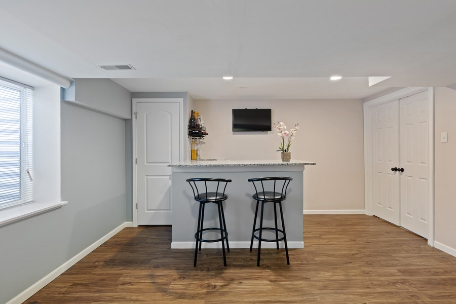 Real Estate Photography - 9405 Cummings St, Huntley, IL, 60142 - Bar
