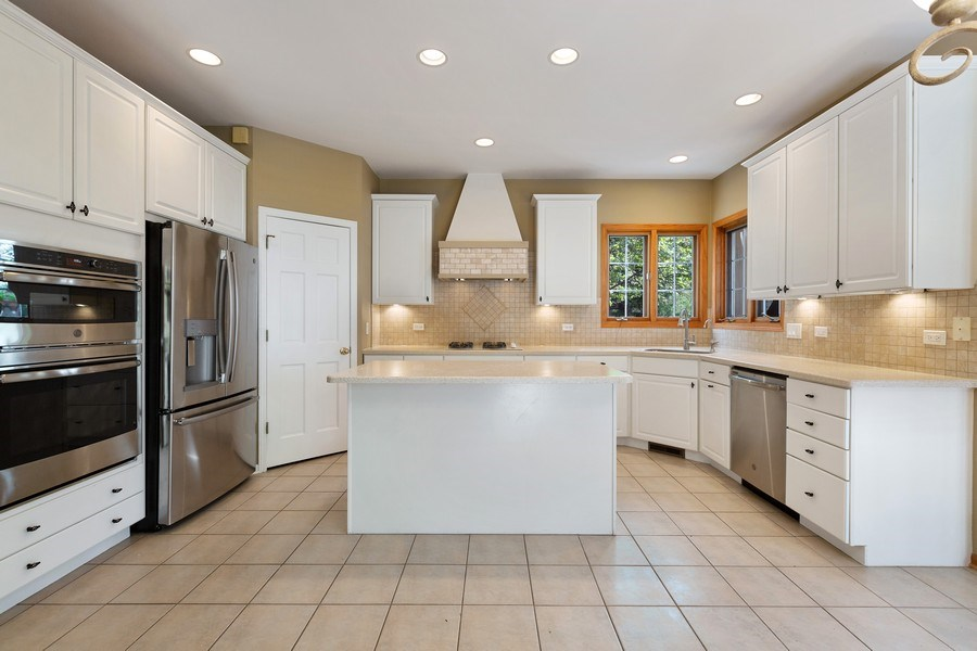 Real Estate Photography - 3 Brindlewood Ct, Algonquin, IL, 60102 - Kitchen