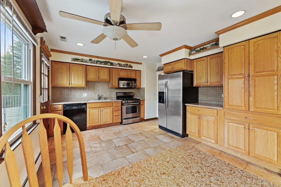 Real Estate Photography - 909 Dundee Avenue, Barrington, IL, 60010 - Kitchen