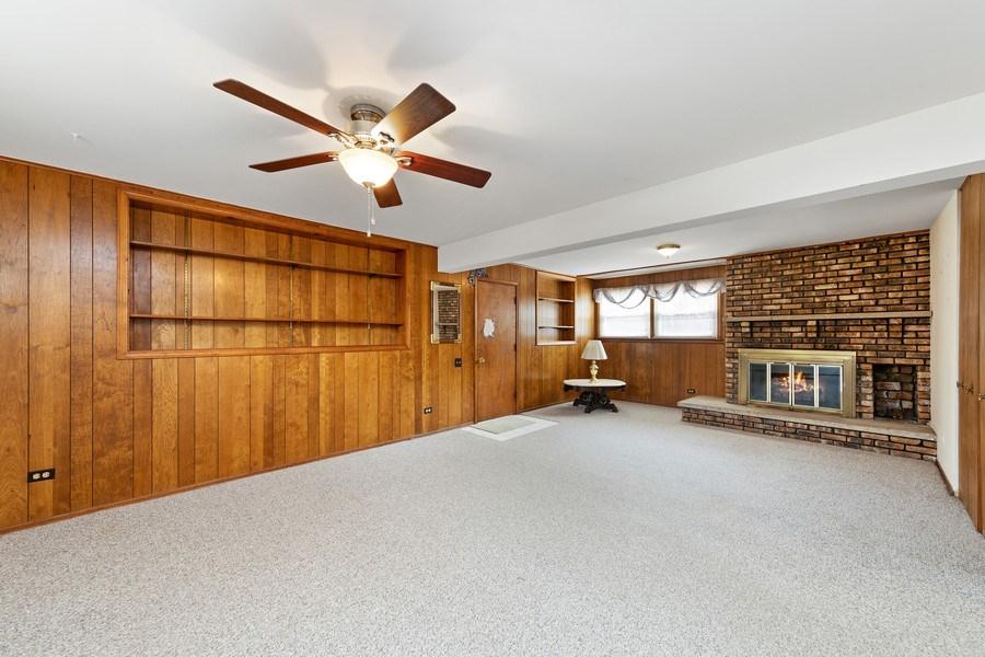 Real Estate Photography - 909 Dundee Avenue, Barrington, IL, 60010 - Family Room