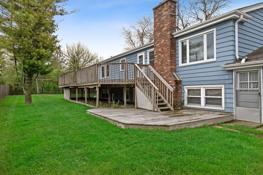 Real Estate Photography - 909 Dundee Avenue, Barrington, IL, 60010 - Rear View