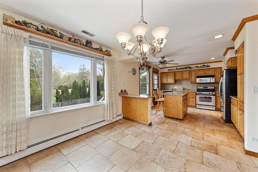 Real Estate Photography - 909 Dundee Avenue, Barrington, IL, 60010 - Kitchen / Dining Room