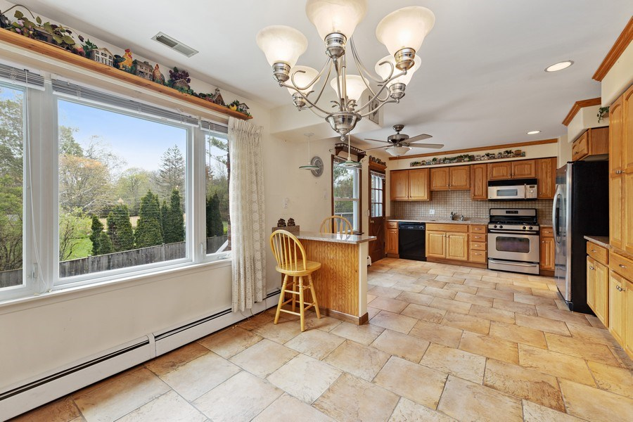 Real Estate Photography - 909 Dundee Avenue, Barrington, IL, 60010 - Kitchen/Dining