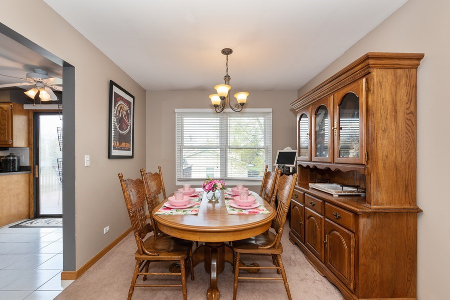 Real Estate Photography - 3679 Whispering Trails, Hoffman Estates, IL, 60192 - Dining Room