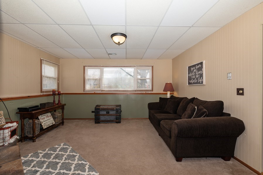 Real Estate Photography - 3679 Whispering Trails, Hoffman Estates, IL, 60192 - Family Room