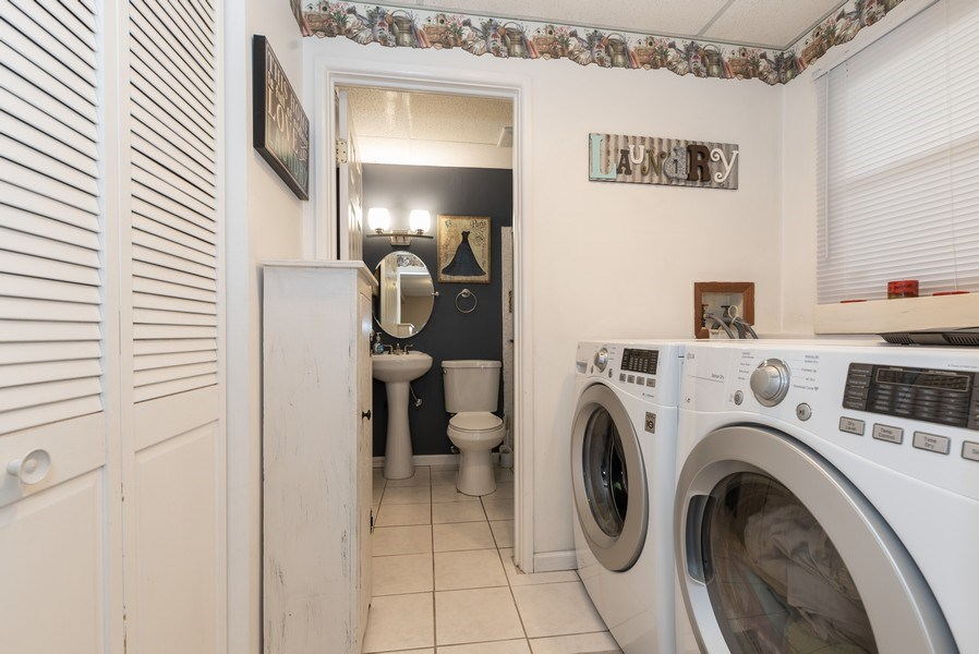 Real Estate Photography - 3679 Whispering Trails, Hoffman Estates, IL, 60192 - Laundry Room