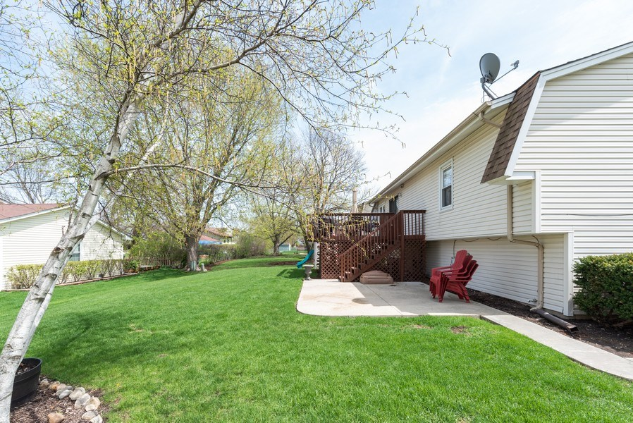 Real Estate Photography - 3679 Whispering Trails, Hoffman Estates, IL, 60192 - Side View