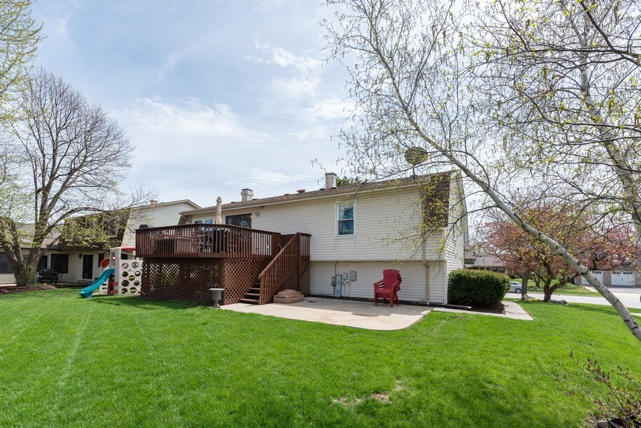 Real Estate Photography - 3679 Whispering Trails, Hoffman Estates, IL, 60192 - Rear View