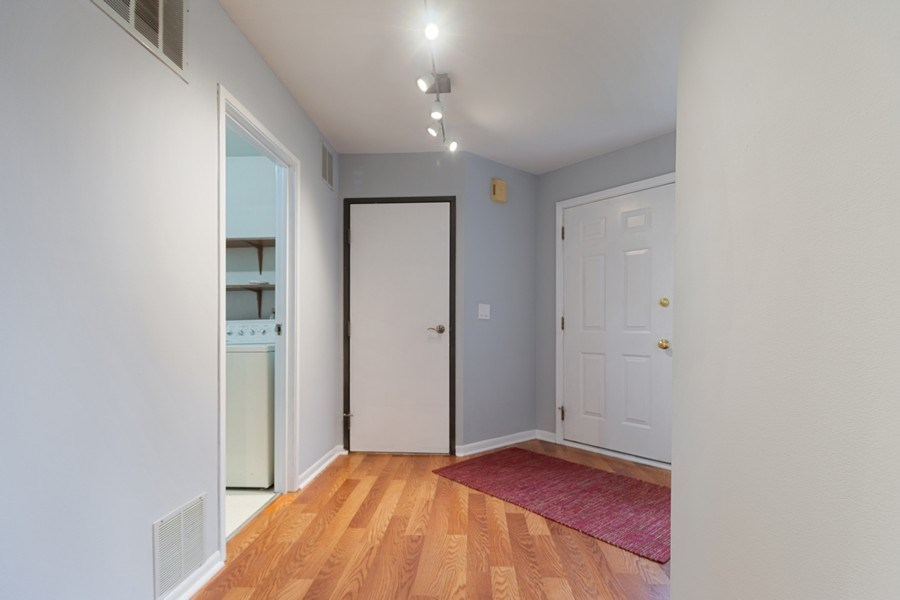 Real Estate Photography - 546 W Happfield, Arlington Heights, IL, 60004 - Foyer