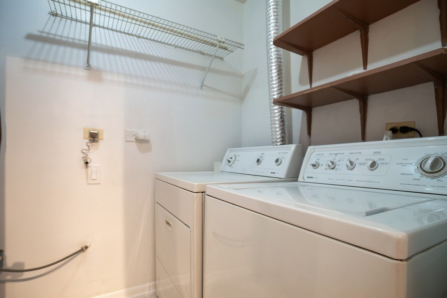 Real Estate Photography - 546 W Happfield, Arlington Heights, IL, 60004 - Laundry Room