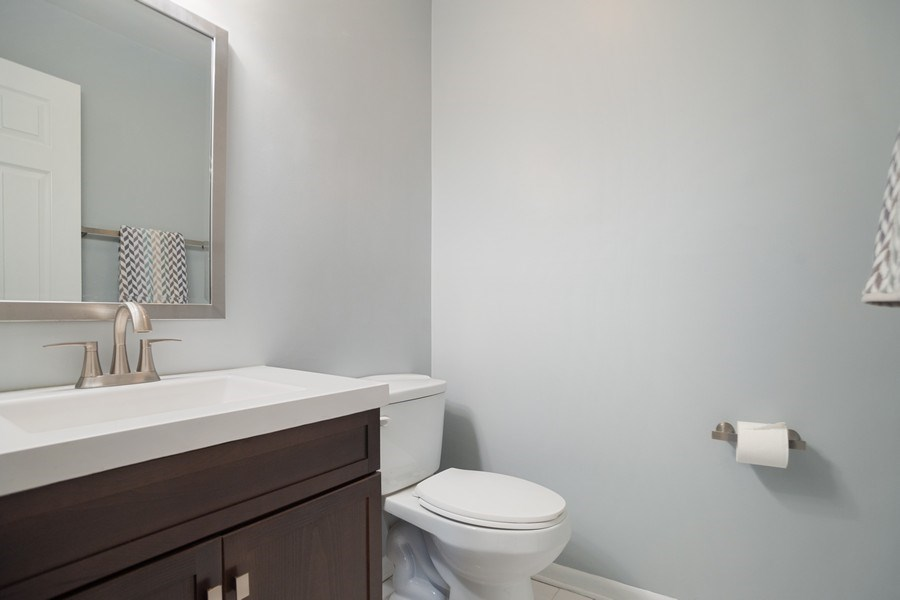 Real Estate Photography - 546 W Happfield, Arlington Heights, IL, 60004 - Half Bath