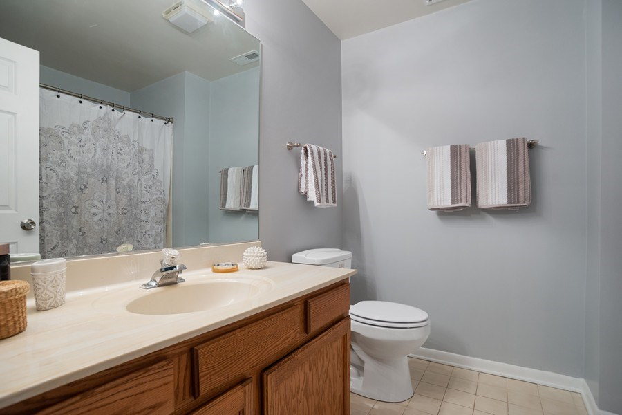 Real Estate Photography - 546 W Happfield, Arlington Heights, IL, 60004 - 2nd Bathroom