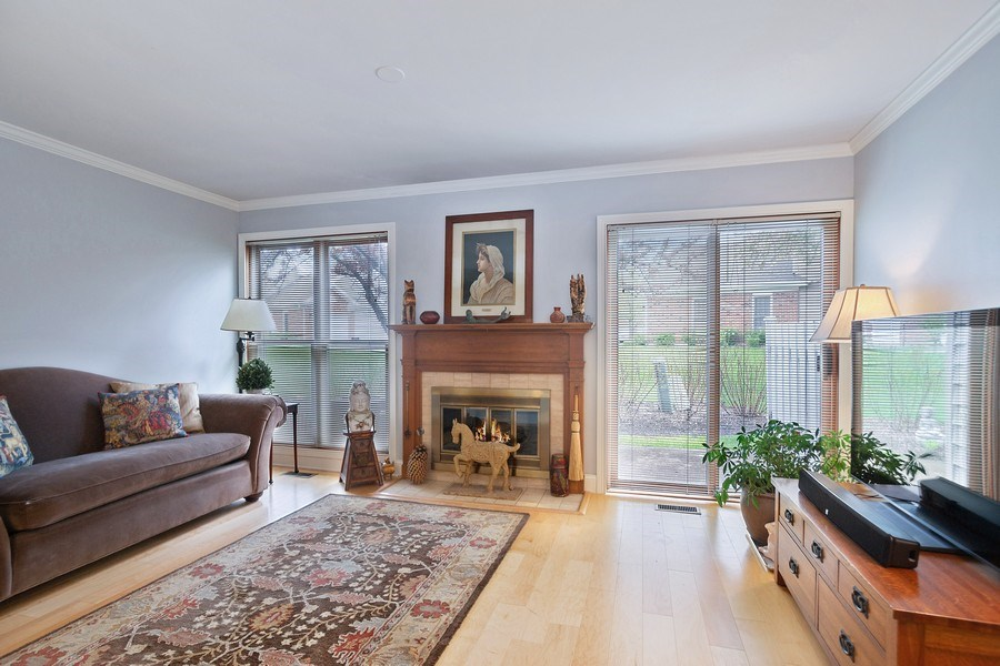 Real Estate Photography - 1968 N. Coldspring Rd., Arlington Heights, IL, 60004 - Living Room
