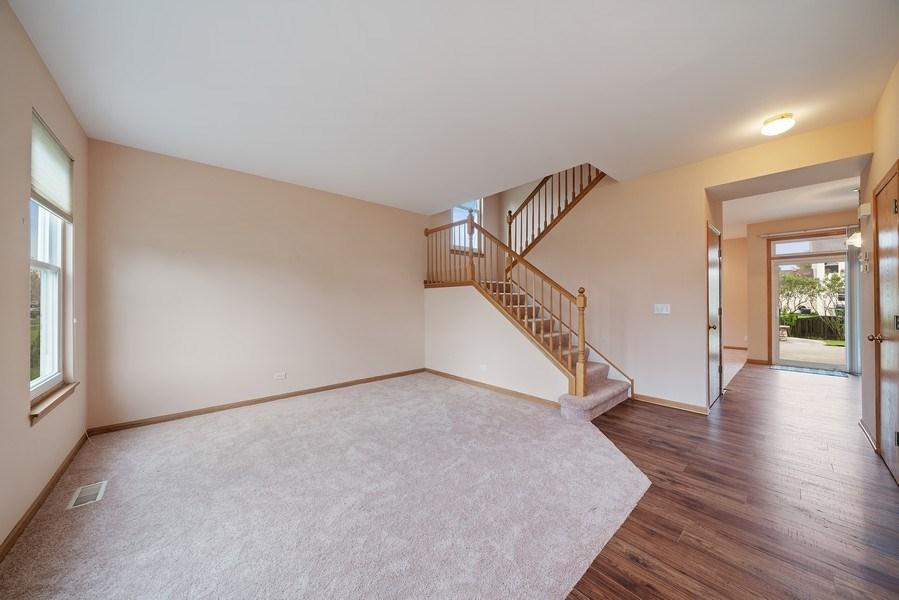 Real Estate Photography - 1951 Fescue, Aurora, IL, 60504 - Living Room