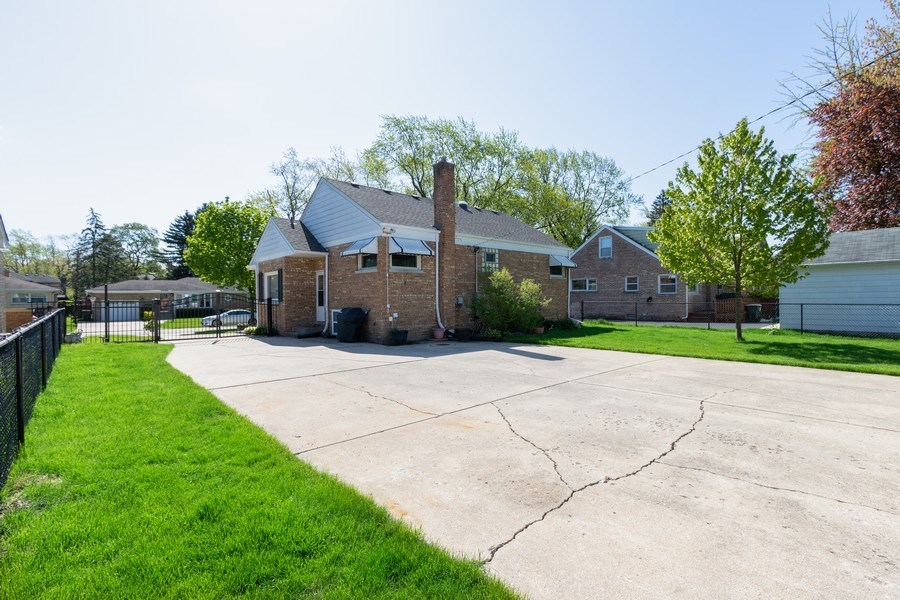 Real Estate Photography - 206 S. Forrest, Arlington Heights, IL, 60004 - Rear View