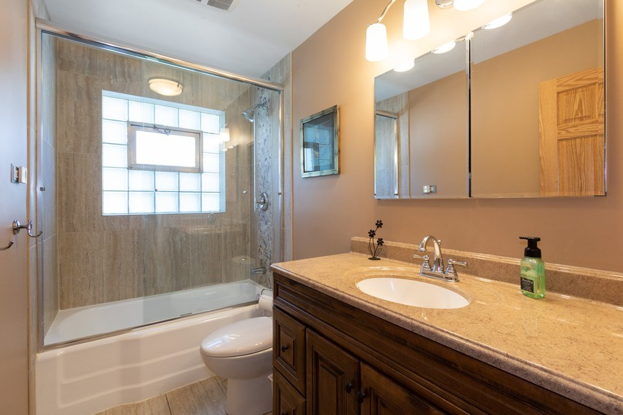 Real Estate Photography - 206 S. Forrest, Arlington Heights, IL, 60004 - Bathroom