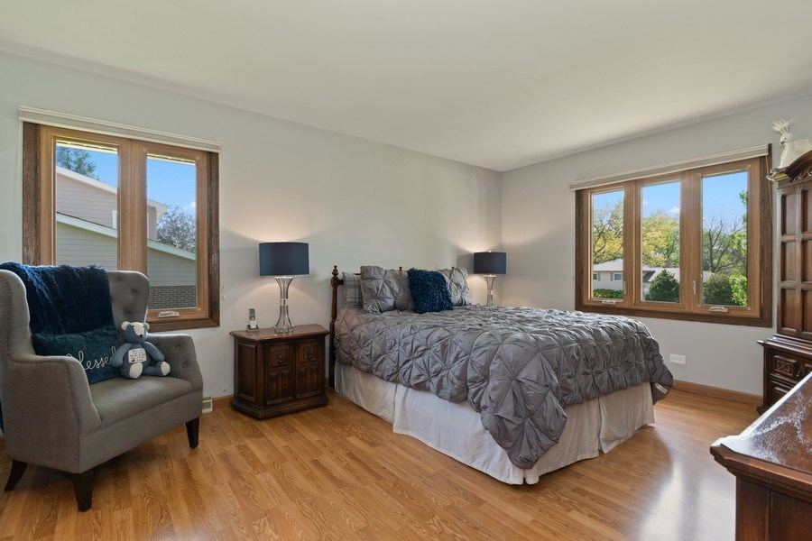 Real Estate Photography - 341 Martin Ln, Bloomingdale, IL, 60108 - Master Bedroom