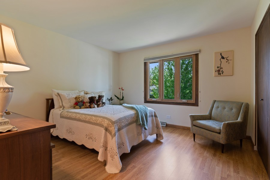 Real Estate Photography - 341 Martin Ln, Bloomingdale, IL, 60108 - Bedroom