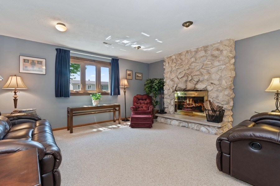 Real Estate Photography - 341 Martin Ln, Bloomingdale, IL, 60108 - Family Room