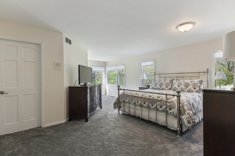 Real Estate Photography - 913 Silver Glen Rd, McHenry, IL, 60050 - Master Bedroom