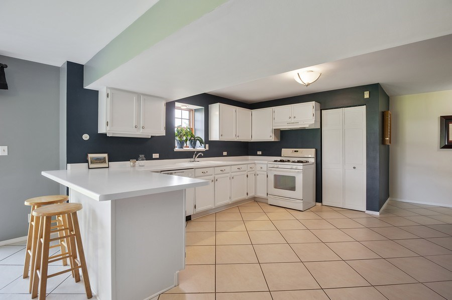 Real Estate Photography - 913 Silver Glen Rd, McHenry, IL, 60050 -