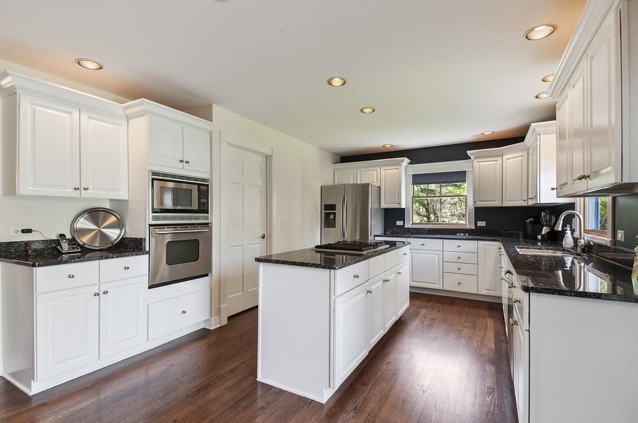 Real Estate Photography - 913 Silver Glen Rd, McHenry, IL, 60050 - Kitchen