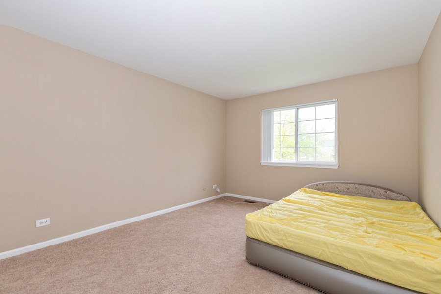 Real Estate Photography - 2610 Spinnaker Dr, Aurora, IL, 60503 - 2nd Bedroom