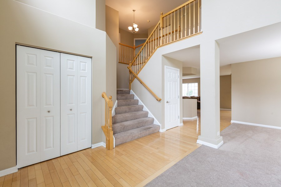 Real Estate Photography - 2610 Spinnaker Dr, Aurora, IL, 60503 - Staircase