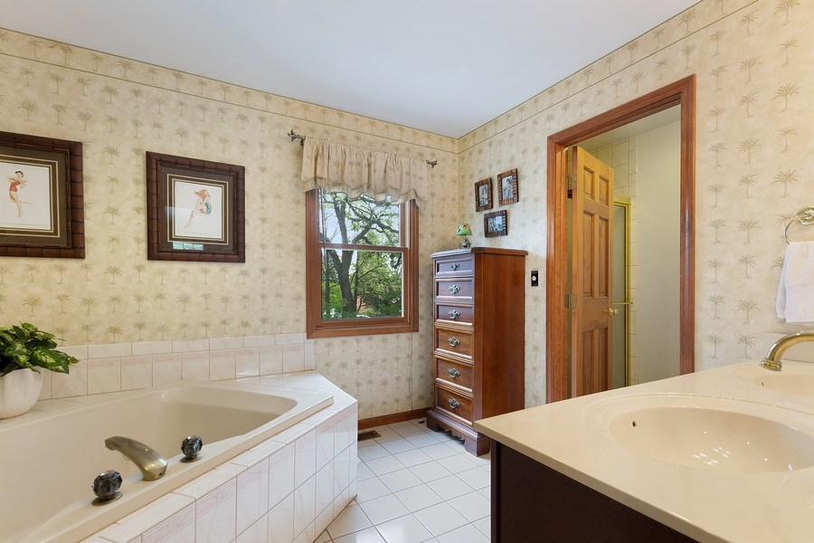 Real Estate Photography - 5 Liberty Court, Cary, IL, 60013 - Master Bathroom