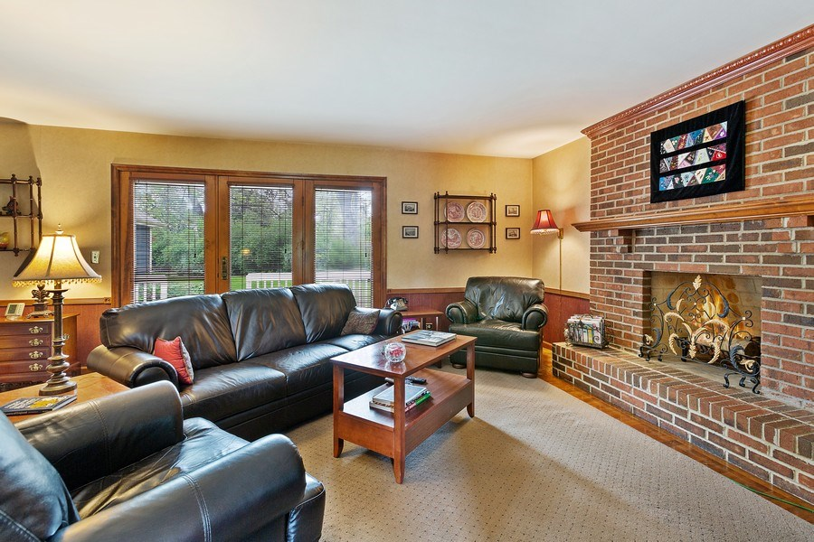 Real Estate Photography - 5 Liberty Court, Cary, IL, 60013 - Family Room