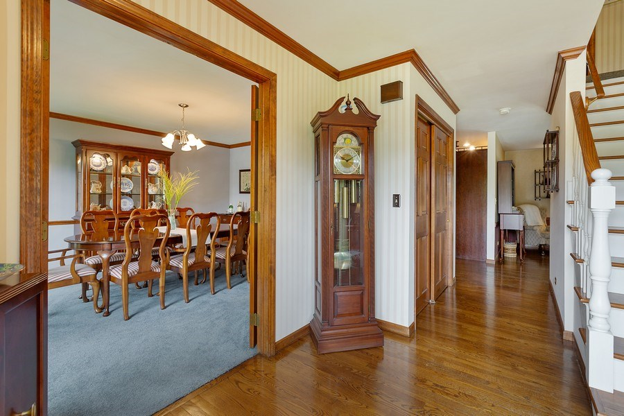 Real Estate Photography - 5 Liberty Court, Cary, IL, 60013 - Foyer