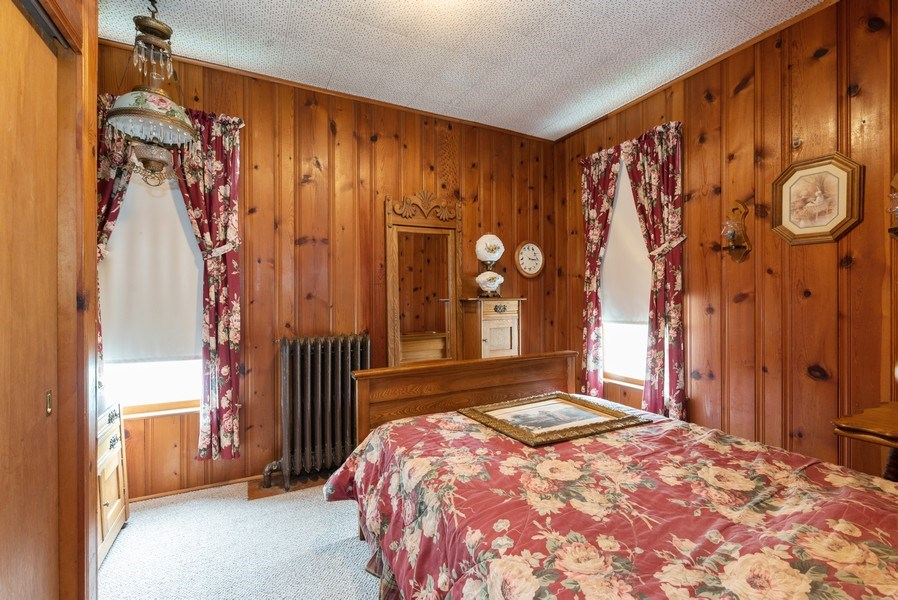 Real Estate Photography - 434 Morgan St, Elgin, IL, 60123 - 2nd Bedroom