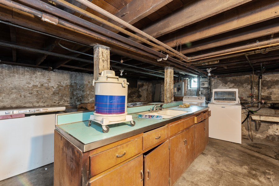 Real Estate Photography - 434 Morgan St, Elgin, IL, 60123 - Basement
