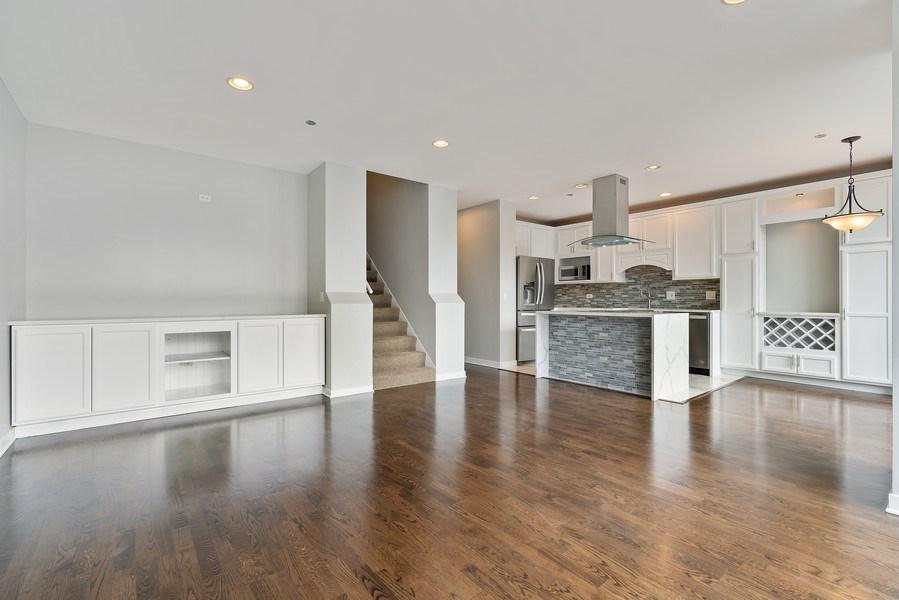 Real Estate Photography - 737 W Washington Blvd, Unit 2403, Chicago, IL, 60661 - Living Room