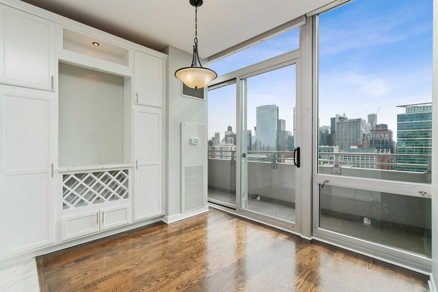 Real Estate Photography - 737 W Washington Blvd, Unit 2403, Chicago, IL, 60661 - Dining Room
