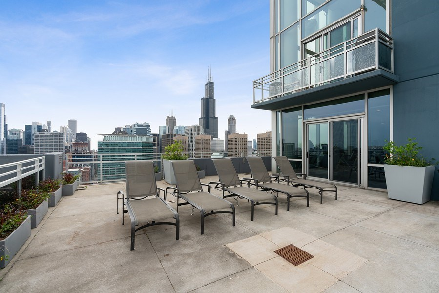 Real Estate Photography - 737 W Washington Blvd, Unit 2403, Chicago, IL, 60661 -