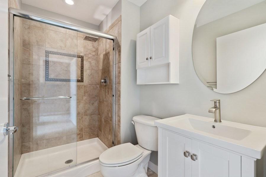 Real Estate Photography - 737 W Washington Blvd, Unit 2403, Chicago, IL, 60661 - 2nd Bathroom