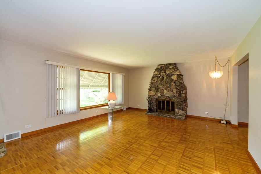 Real Estate Photography - 1333 White St, Des Plaines, IL, 60018 - Living Room