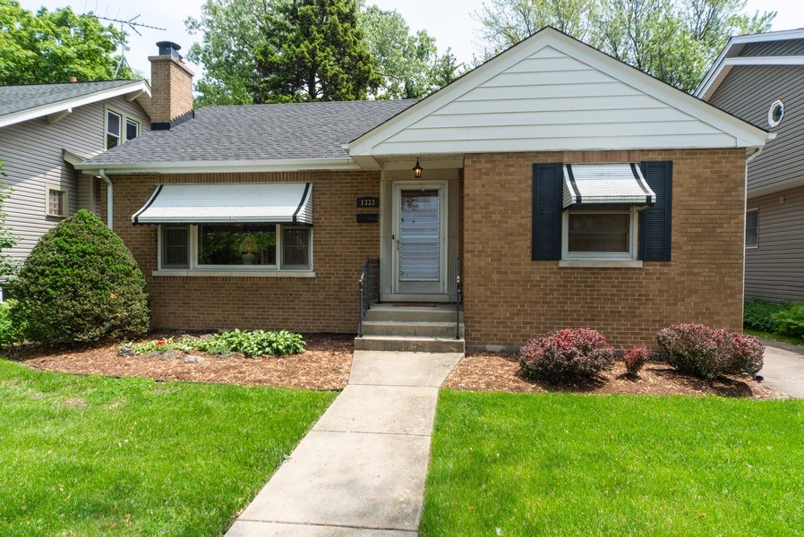 Real Estate Photography - 1333 White St, Des Plaines, IL, 60018 - Front View