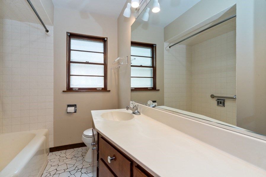 Real Estate Photography - 1333 White St, Des Plaines, IL, 60018 - Bathroom