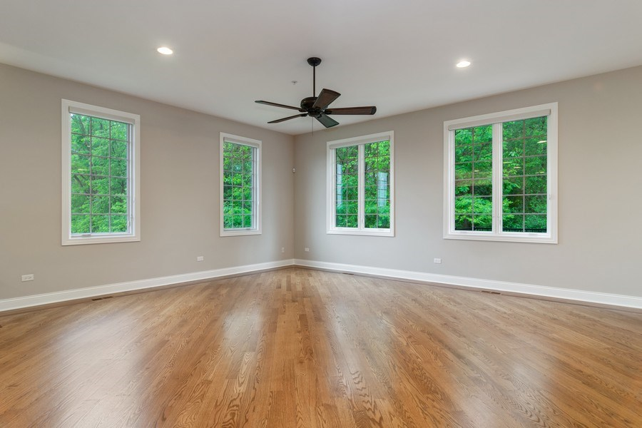 Real Estate Photography - 214 donmor dr, bloomingdale, IL, 60108 - Living Room
