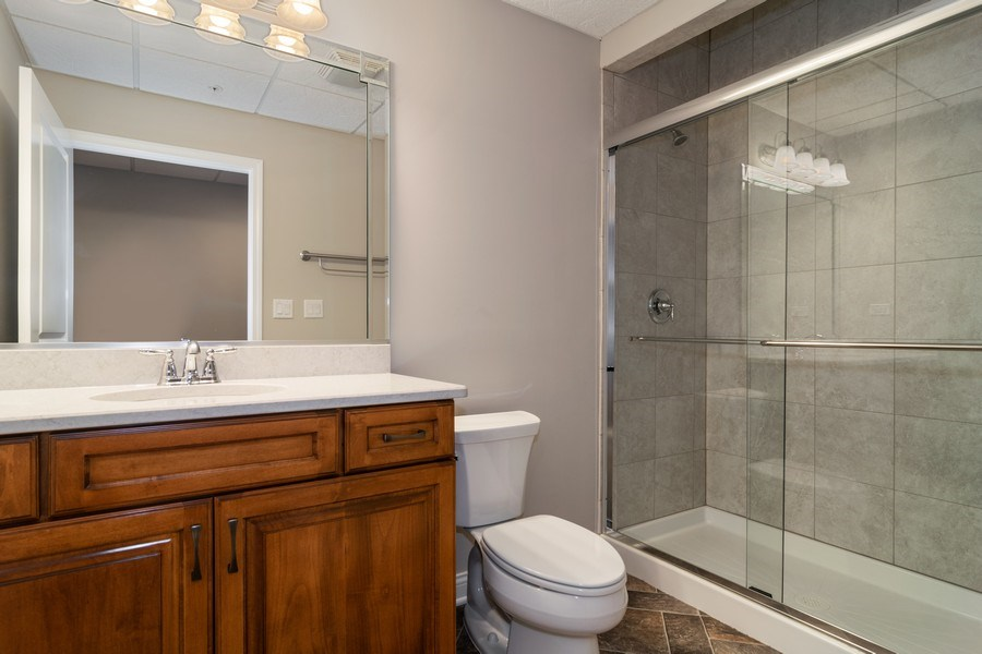 Real Estate Photography - 214 donmor dr, bloomingdale, IL, 60108 - 2nd Bathroom