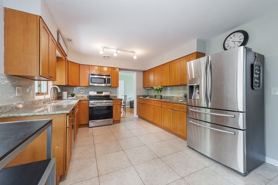 Real Estate Photography - 704 W Palatine Rd, Arlington Heights, IL, 60004 - Kitchen