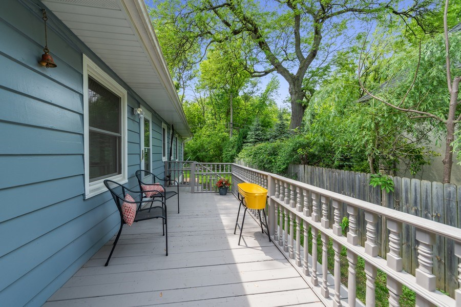 Real Estate Photography - 704 W Palatine Rd, Arlington Heights, IL, 60004 - Deck