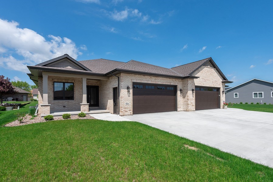 Real Estate Photography - 926 River Bluff, Manitowoc, WI, 54220 - Front View