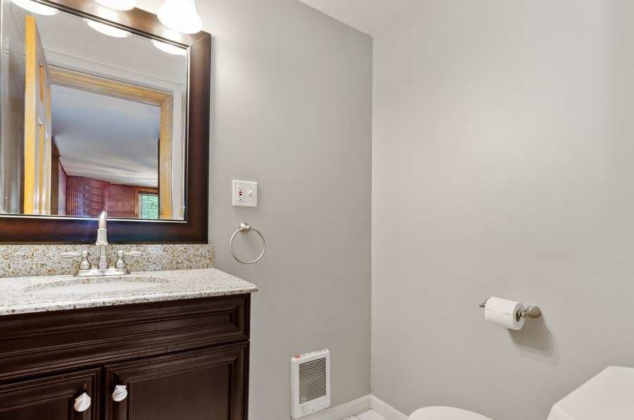 Real Estate Photography - 17N029 Sleepy Hollow Road, Dundee, IL, 60118 - Powder Room