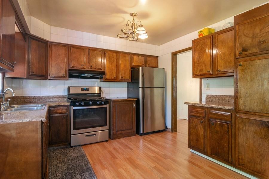 Real Estate Photography - 2040 Arbor Vitae Drive, Hanover Park, IL, 60133 - Kitchen